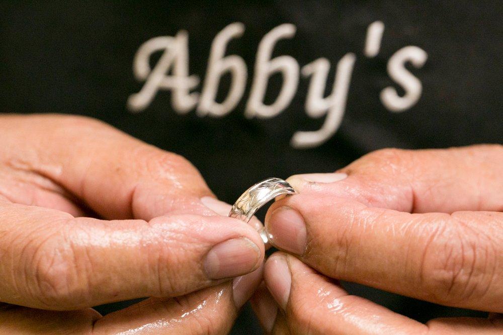 Dessins de haute joaillerie d'Abby