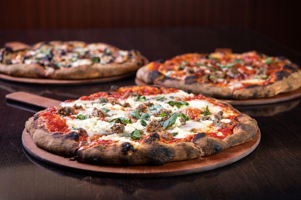 Pizzeria Pezzo: 2143 4th St, White Bear Lake, MN