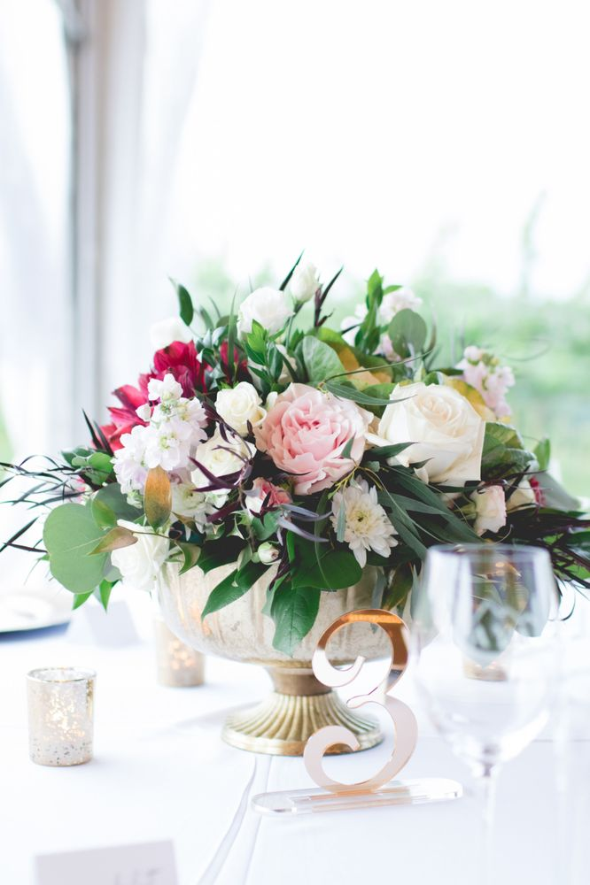Artistic Florist: 545 Helen Hwy, Cleveland, GA