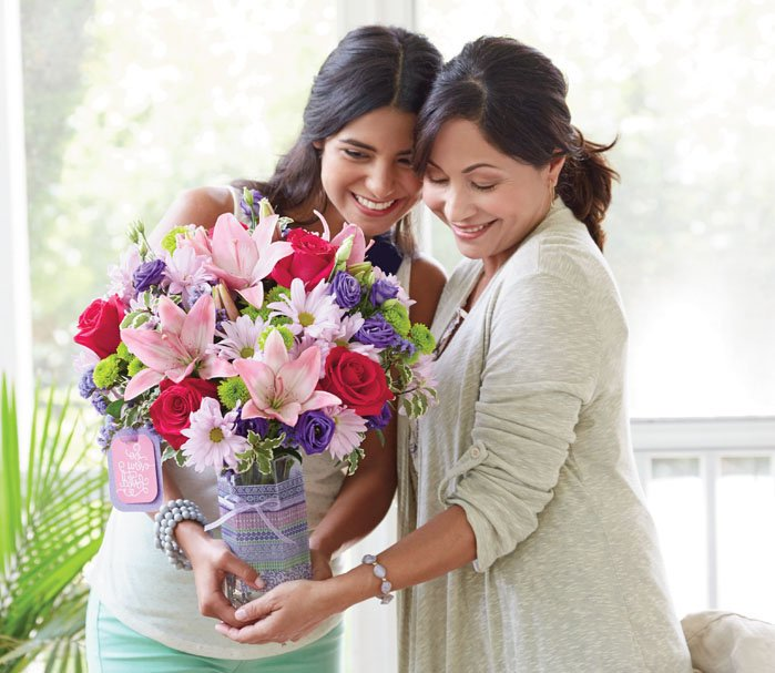 Sara Lynn's Flower Gallery: 302 Burkemont Ave, Morganton, NC