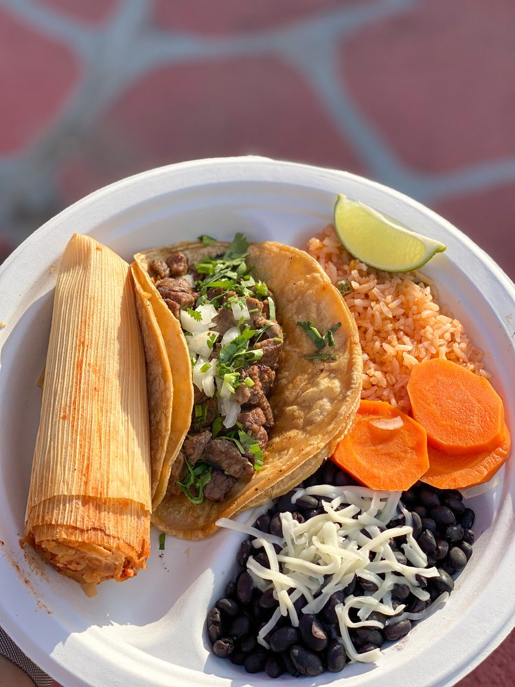 Food from Chela's