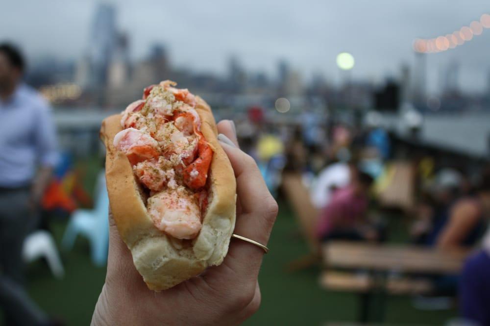 Luke's Lobster Mobile Lobster Roll Food Truck: New York, NY