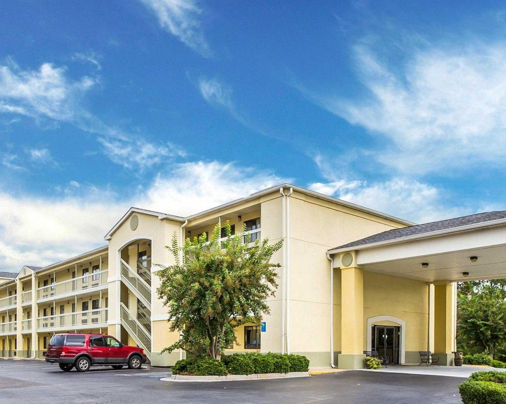 Quality Inn & Suites - CLOSED - 24 Photos & 12 Reviews - Hotels ...