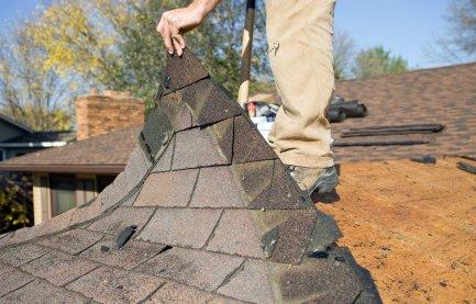 Larrabee Roofing: 160 S Oak St, Sisters, OR