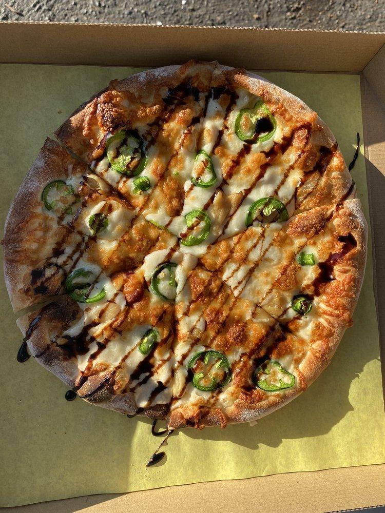 Flippin' Dough Pizza: 1270 E First Ave, Chico, CA