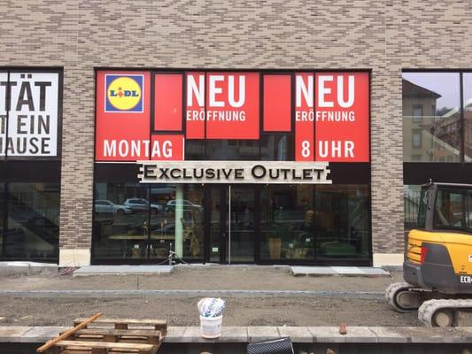 Exclusive Outlet - GESCHLOSSEN - Möbel - Hauptstätterstr ...