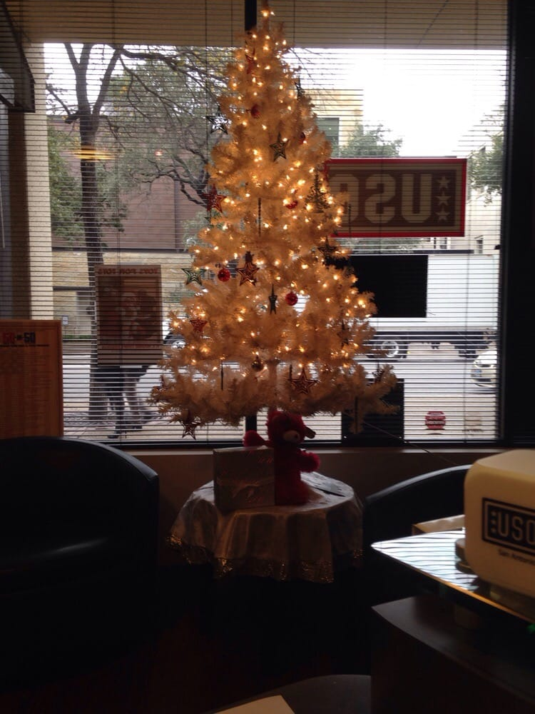 The Holidays Are Cheerful At The San Antonio Downtown Uso