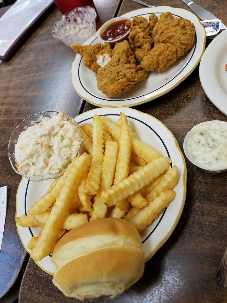 Jinny's Cafe: 305 N Hendricks St, Bryant, IN