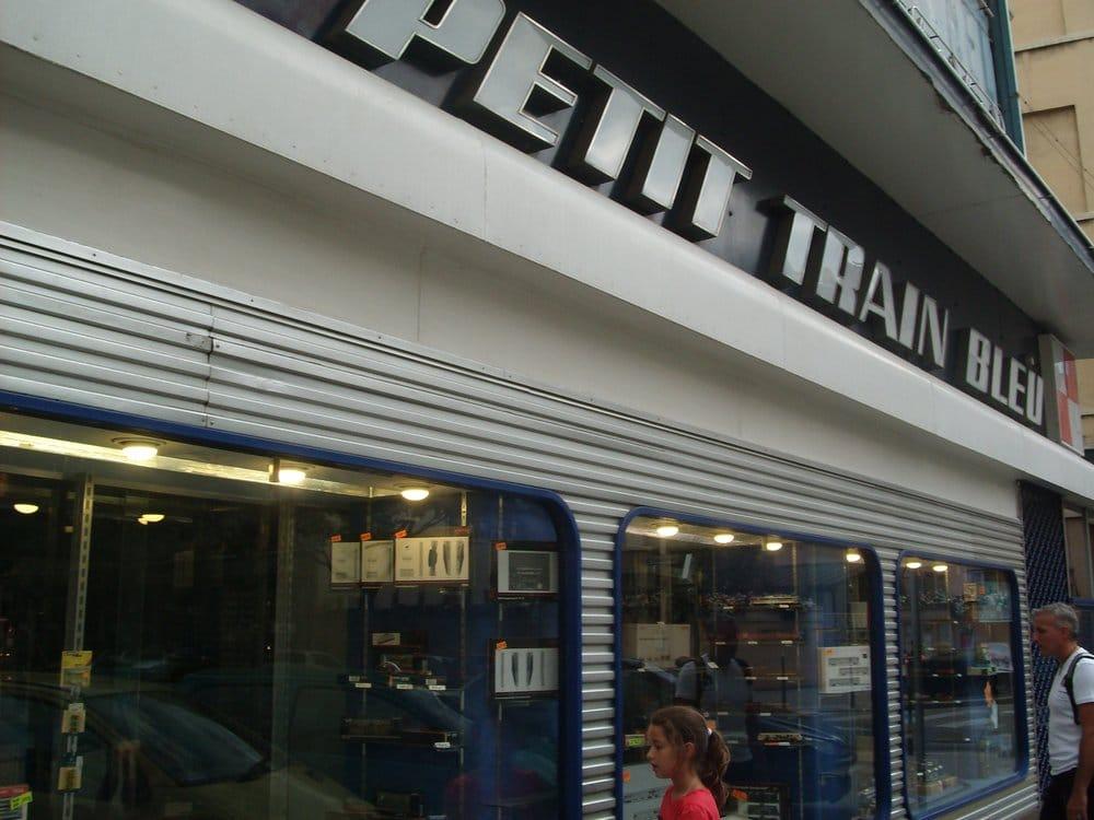 Le petit train bleu spielwaren 7 rue de la charit - Le petit salon lyon 7 ...