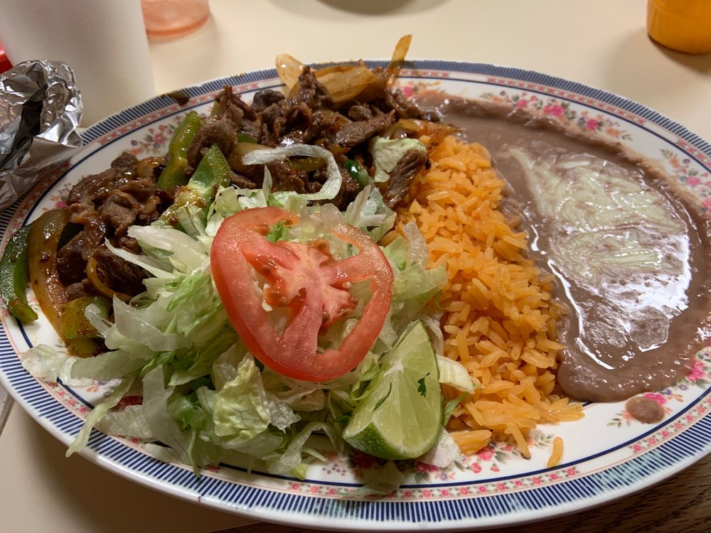 Roos Taqueria: 107 Cattlemens Dr, Lexington, NE