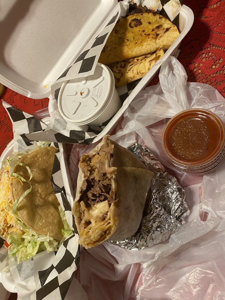 Sergio's Tacos 'n' Salsa: 34557 Yucaipa Blvd, Yucaipa, CA