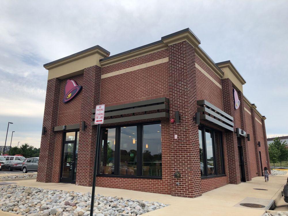 Taco Bell: 44855 Lakeview Overlook Plz, Ashburn, VA
