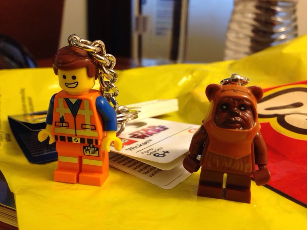Lego store 73 photos 38 reviews toy stores 1 mills for Lago store outlet