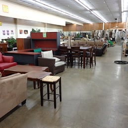 Liquidators discount center 119 15 4224 w for Affordable furniture 43rd
