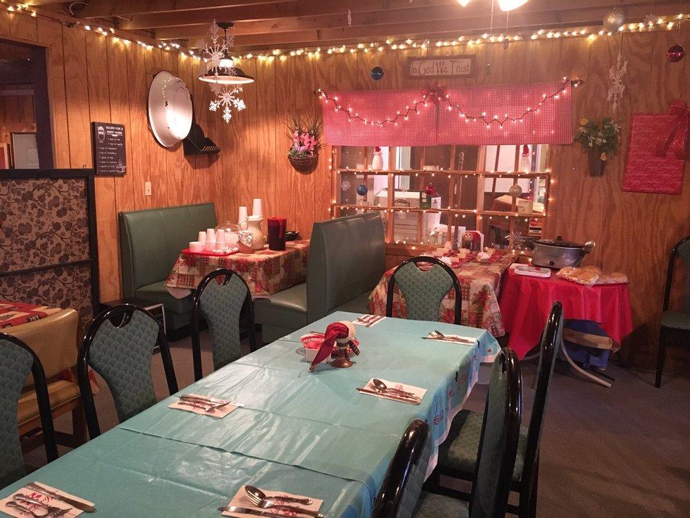 Barnstable Cafe: 19068 Main St, Metamora, IN
