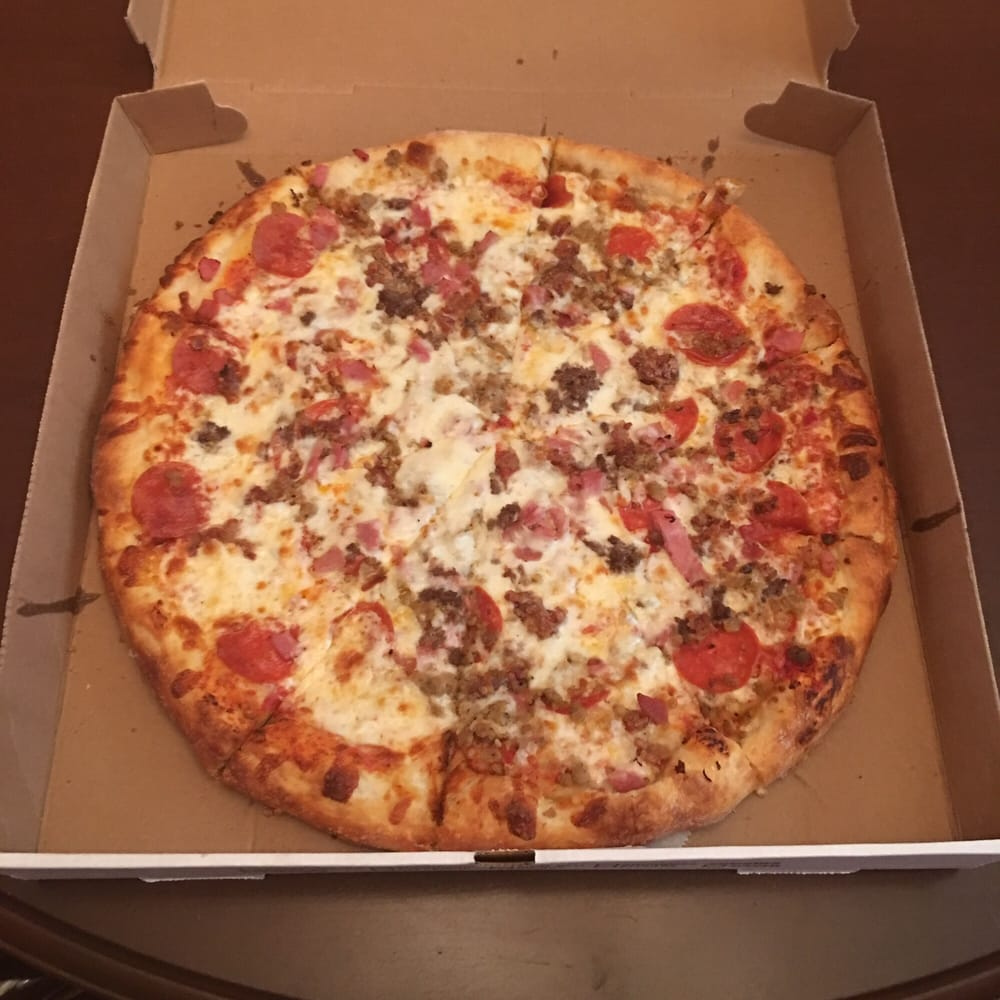 Best Pizza In Virginia Beach Va: Clean Place. Here's My Meat Lovers Pizza! Yummy. Here's