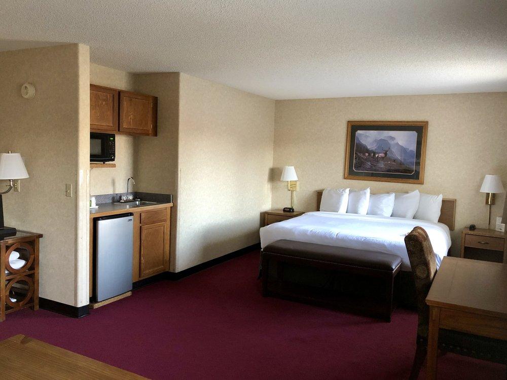 Stay Wise Inns: 530 S Grand Mesa Dr, Cedaredge, CO