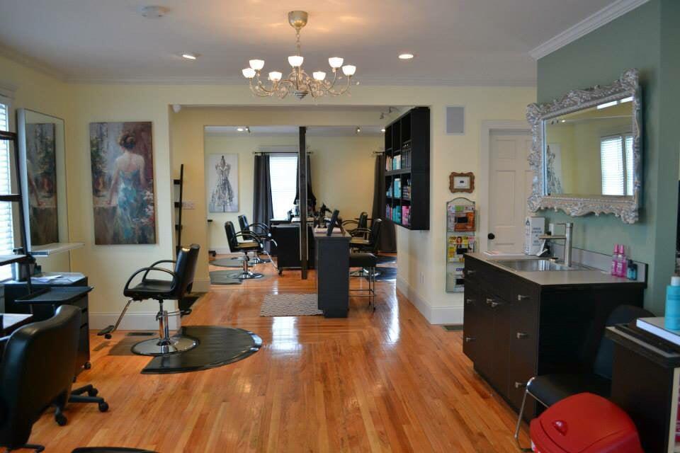 Salon Chic: 634 Putnam Pike, Greenville, RI
