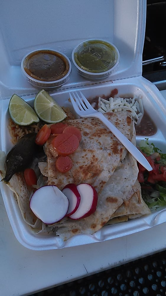 Guillen's La Playita Taco Truck: Glencoe Ave, Marina del Rey, CA