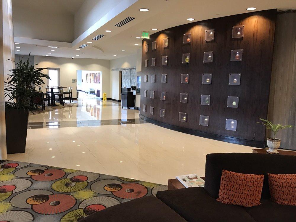Hilton Garden Inn Denver Cherry Creek 30 Photos 73 Reviews Hotels 600 South Colorado