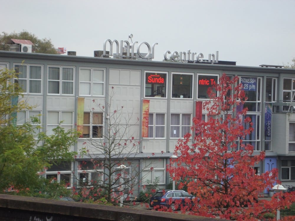The Mirror Centre.Mirror Centre Sports Clubs Ter Gouwstraat 3