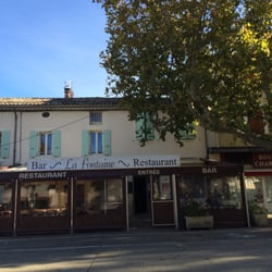 La Fontaine - Restaurants - Place du Champ-de-Mars, Suze-la-Rousse ...