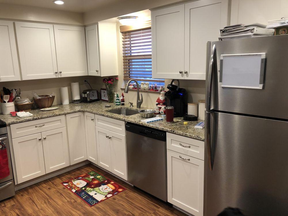 J & N Lifestyle-Kitchens: 1231 Nicklaus Way, Gibsonia, PA
