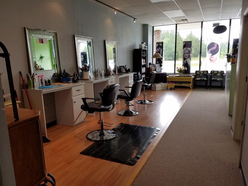 Vivid Salon: 2896 Hwy 24, Newport, NC