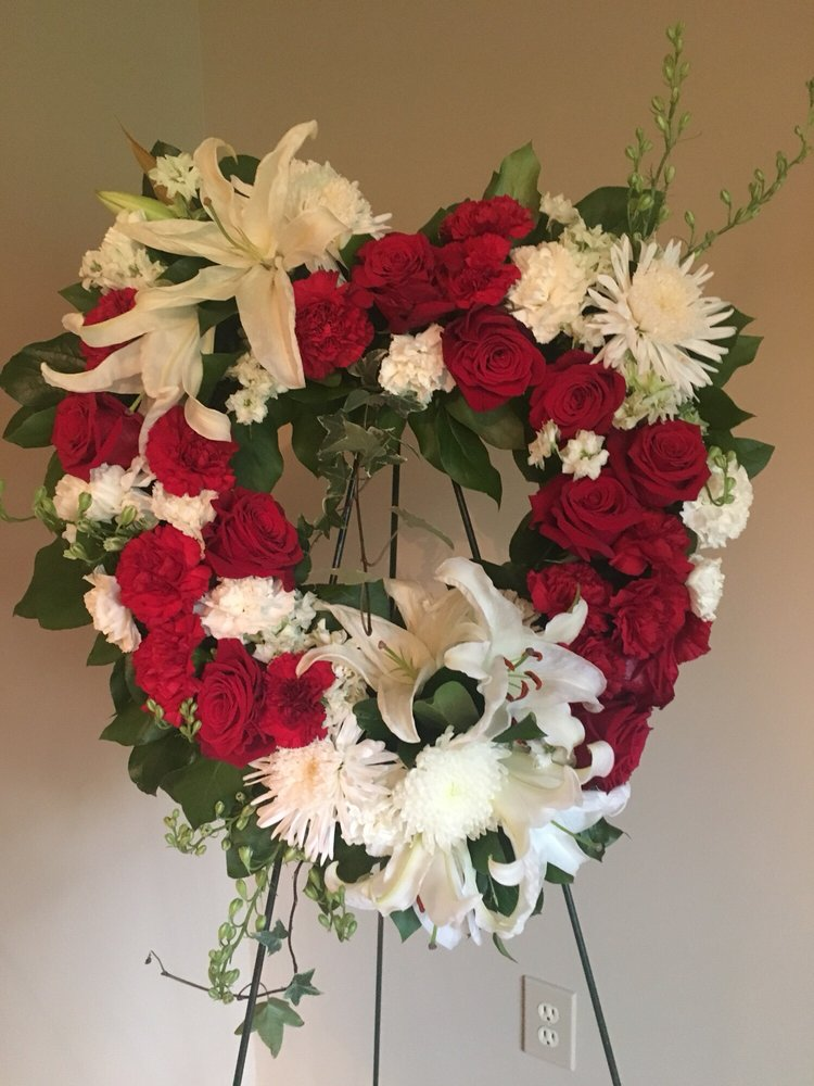 Newtown Florist of Connecticut: 111 South Main St, Newtown, CT