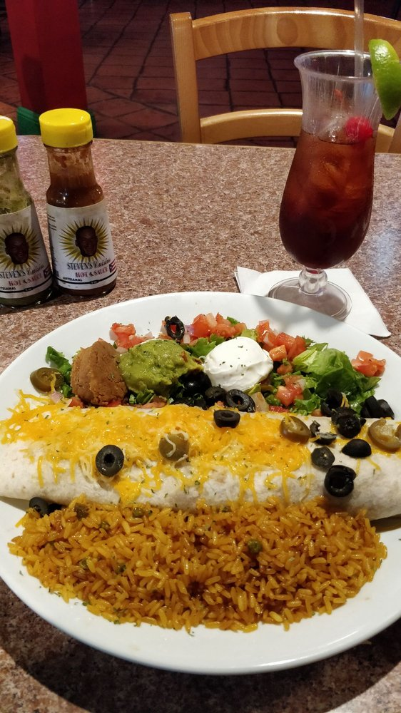Tequila's Mexican Grill & Bar: Plaza Santa Isabel, Santa Isabel, PR