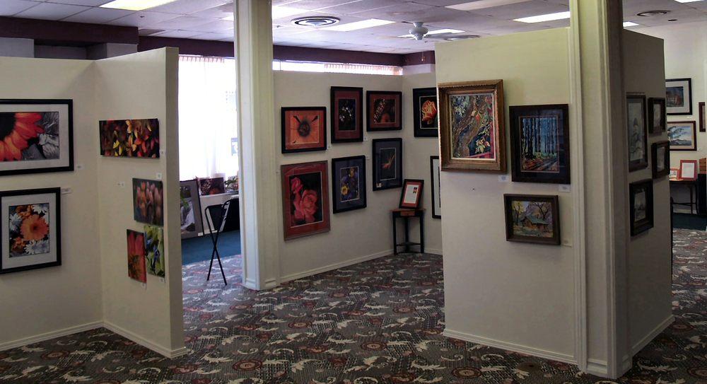 Koka Art Gallery: 409 S Main St, Carthage, MO