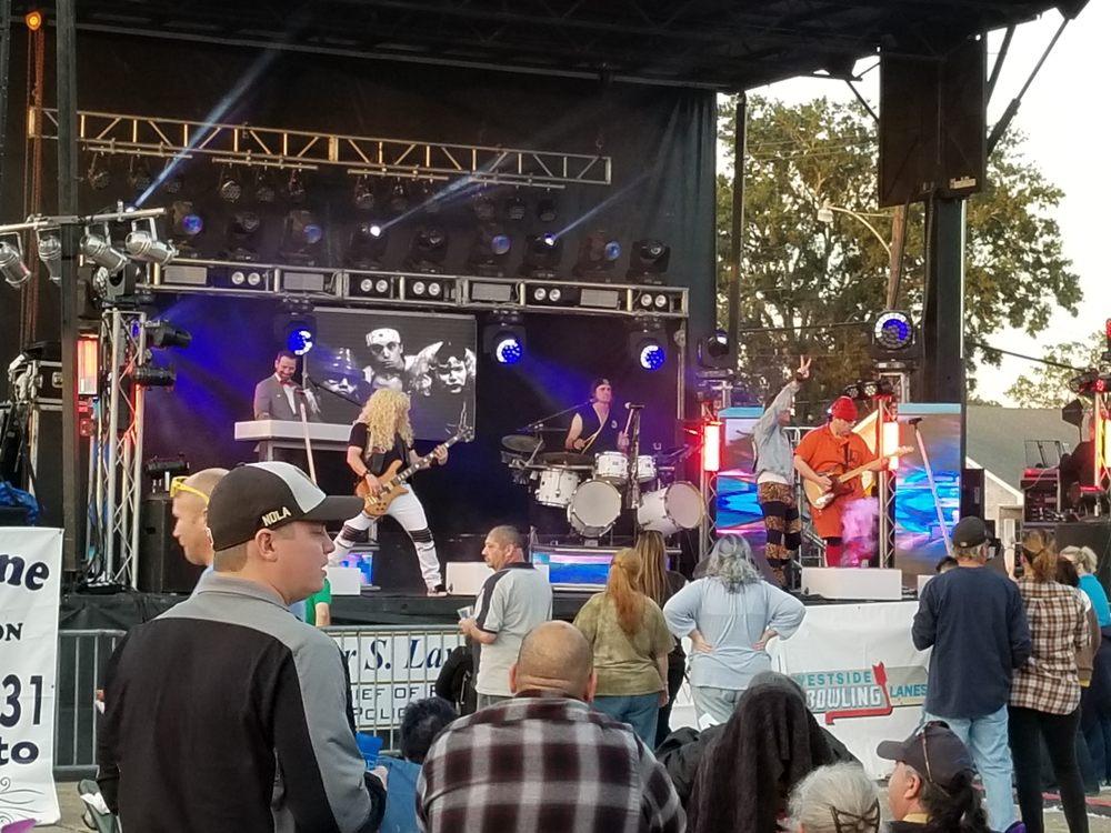St Cletus Oyster Festival: 3610 Claire Ave, Gretna, LA