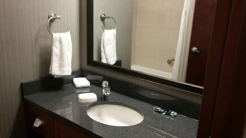 Drury Inn & Suites Gainesville: 4000 SW 40th Blvd, Gainesville, FL