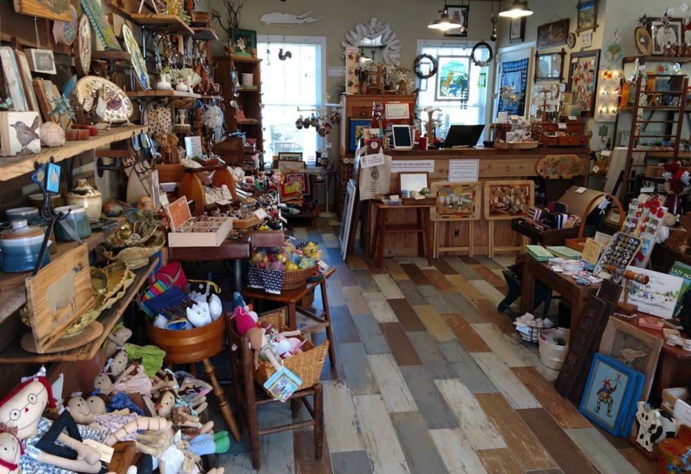 North Fork Craft Gallery: 5768 NY-25A, Wading River, NY