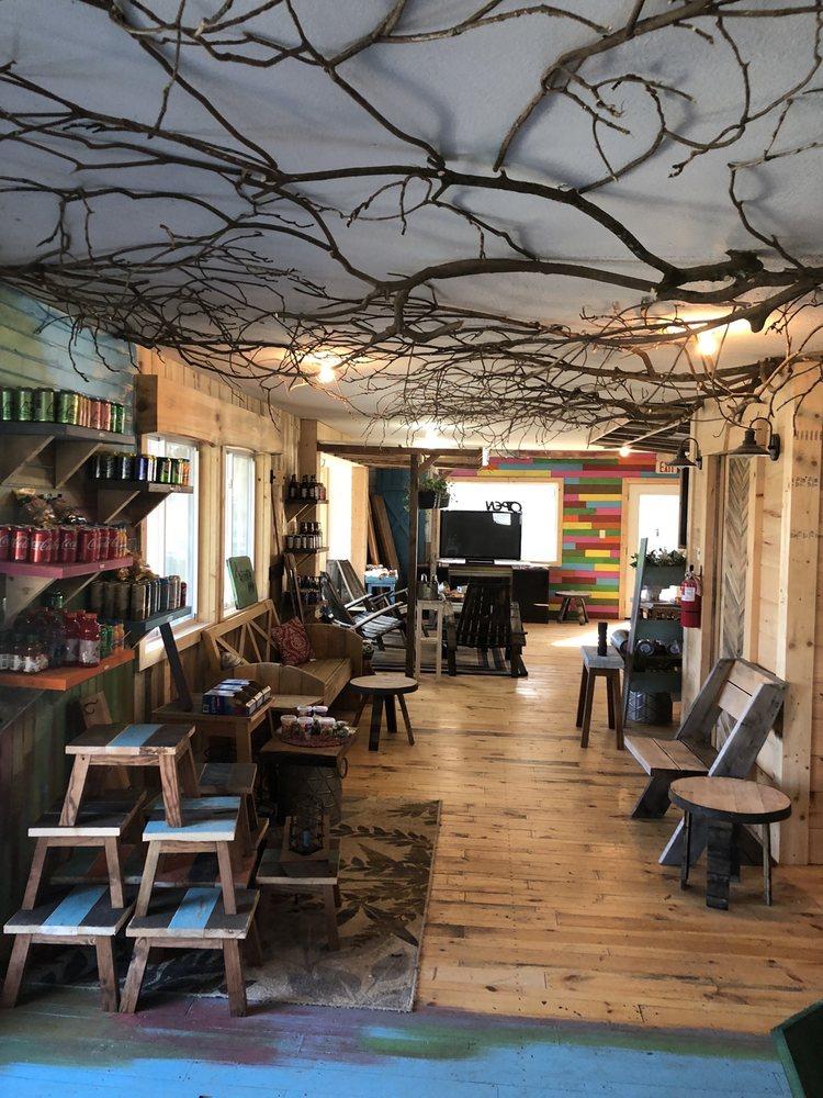 Avant Garde Home: 133 Shelby St, Banner Elk, NC