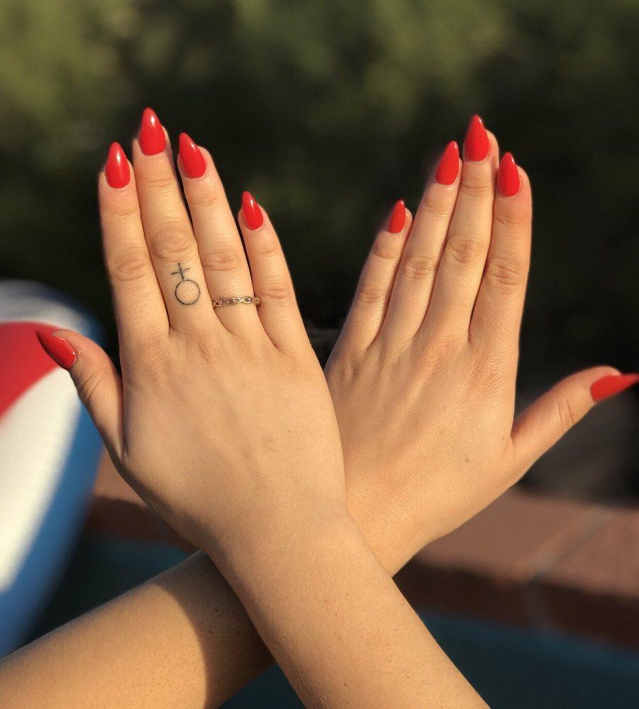 Uniquely Nail Spa