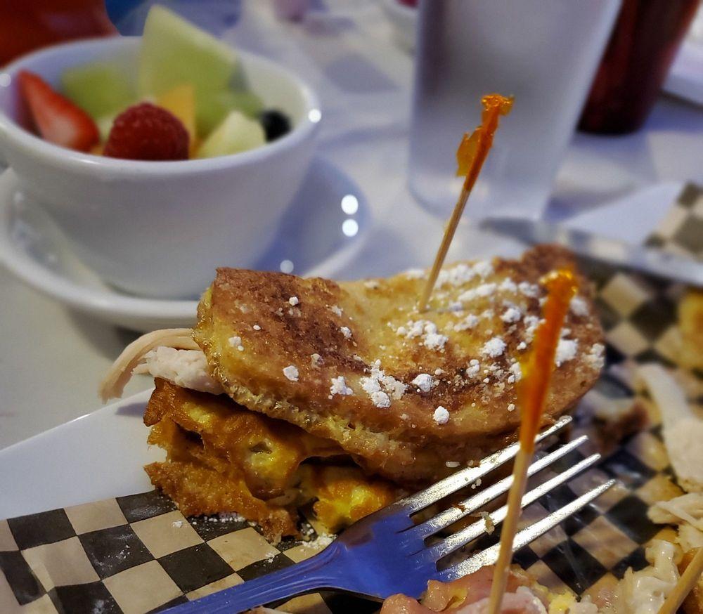 Roosters Restaurant: 1515 Southgate Pl, Pendleton, OR
