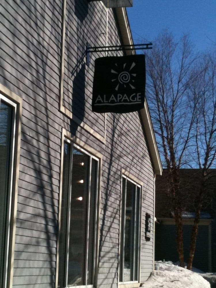 Alapage: 25 S River Rd, Bedford, NH