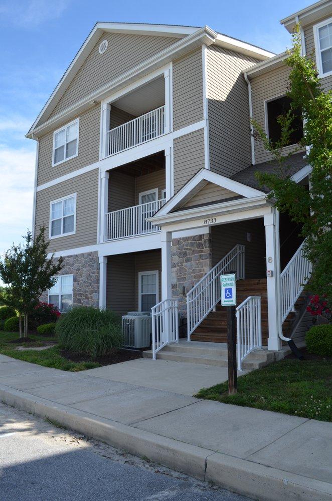 Ponds Edge Apartment Homes: 8650 Barbara Ann Way, Delmar, MD