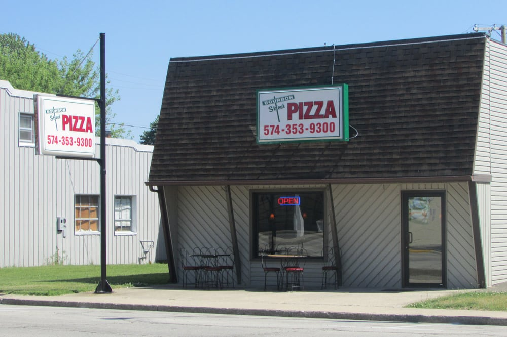 Bourbon Street Pizza: 119 W Main St, Mentone, IN