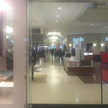 H&M Store - Kings Plaza Mall at Kings Plaza in Brooklyn, New York store location & hours, services, holiday hours, map, driving directions and more H&M Store - Kings Plaza Mall in Brooklyn, New York - Location & Store Hours/5(K).