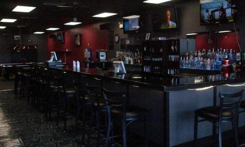 Longshots Sports Bar & Billiards: 207B NE Front St, Milford, DE