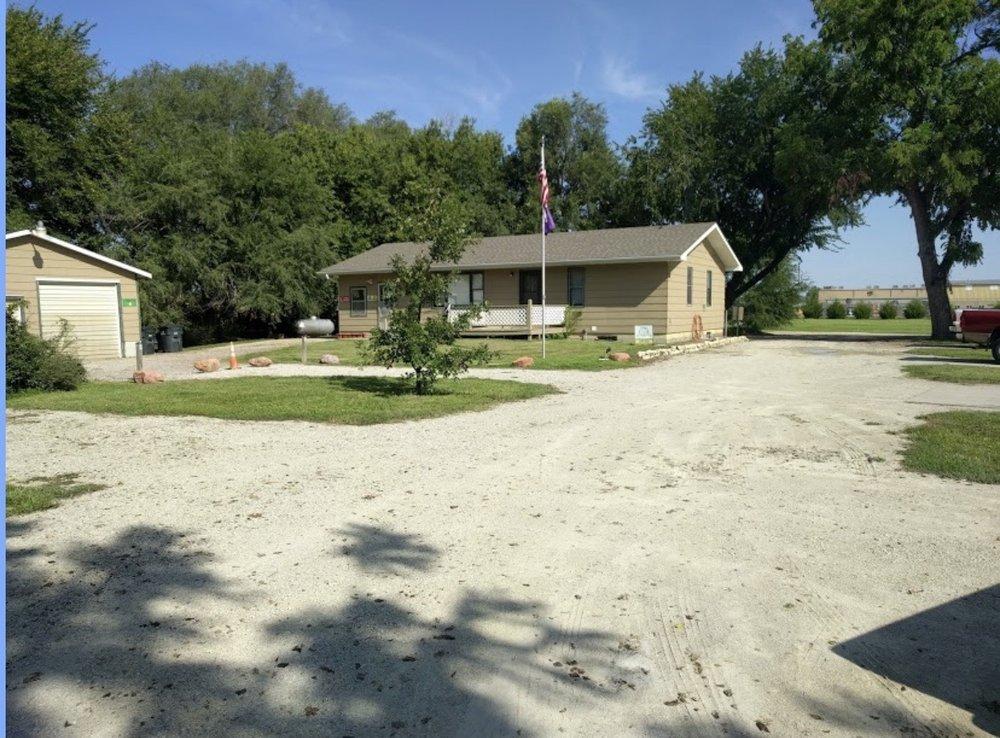 Calvin's RV Camping: 400 Military Trail Rd, Wamego, KS