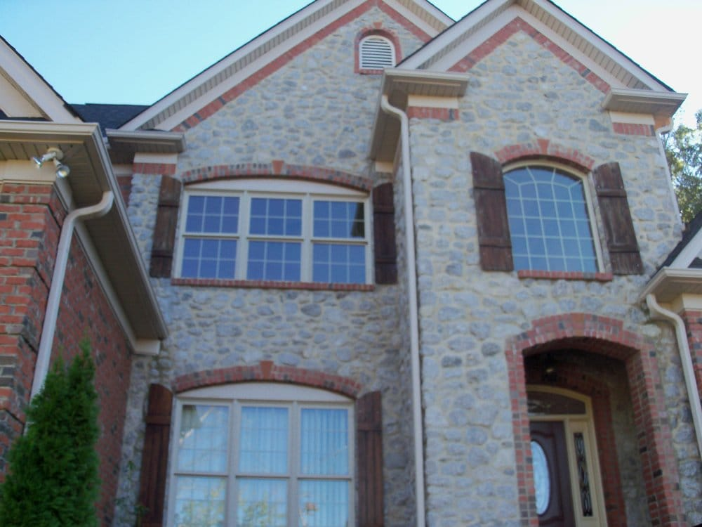 Stone veneer with brick accents yelp for Stone accents