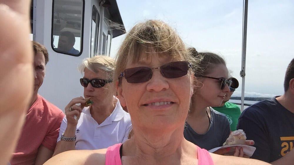 Madeline Island Ferry Lines: La Pointe, WI
