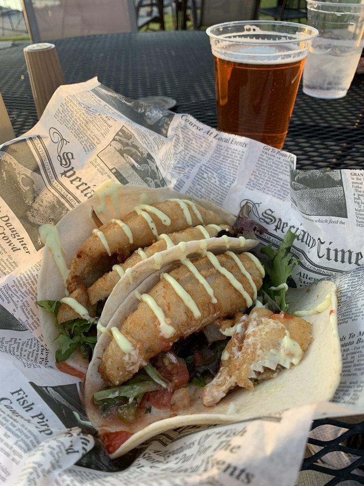 Dockside Cafe: 611 W Shoreline Dr, Sandusky, OH