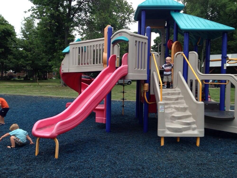 Lincoln Woods Park: City Park Dr, Florence, KY