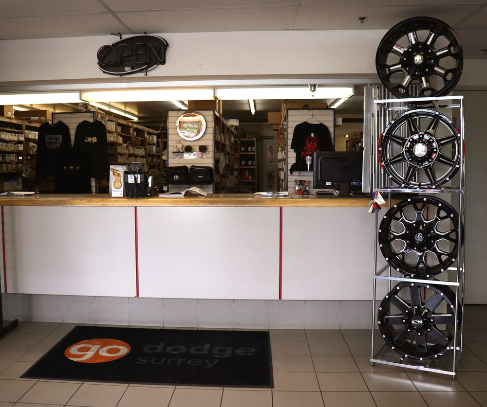 Order online original Auto Parts and Accessories for Jeep