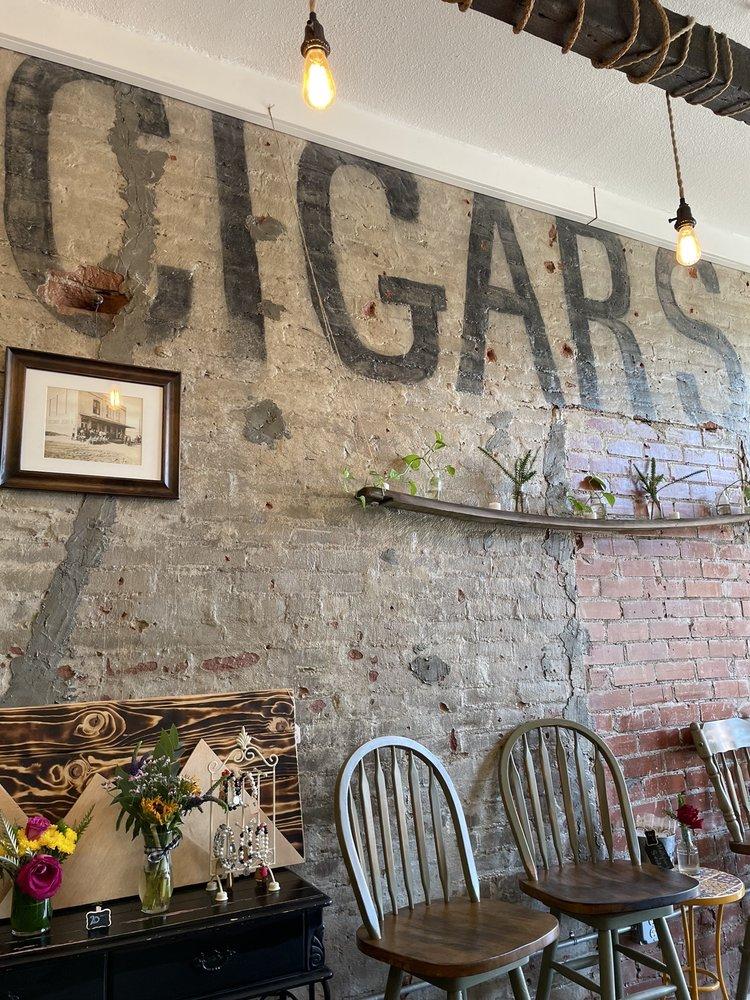 Wygold Cafe: 16876 Yolo Ave, Esparto, CA