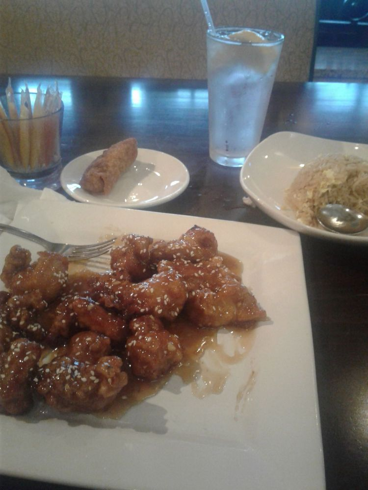 Lee's China Bistro: 7959 Wilson Rd, Fort Knox, KY